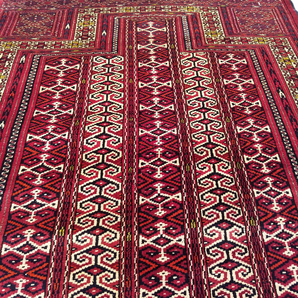 "3'7"" x 4'8""   Silk Persian Turkman Prayer design Rug Angle View"