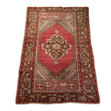"2'8"" x 3'8""   Turkish Ortakoy Rug Angle View"