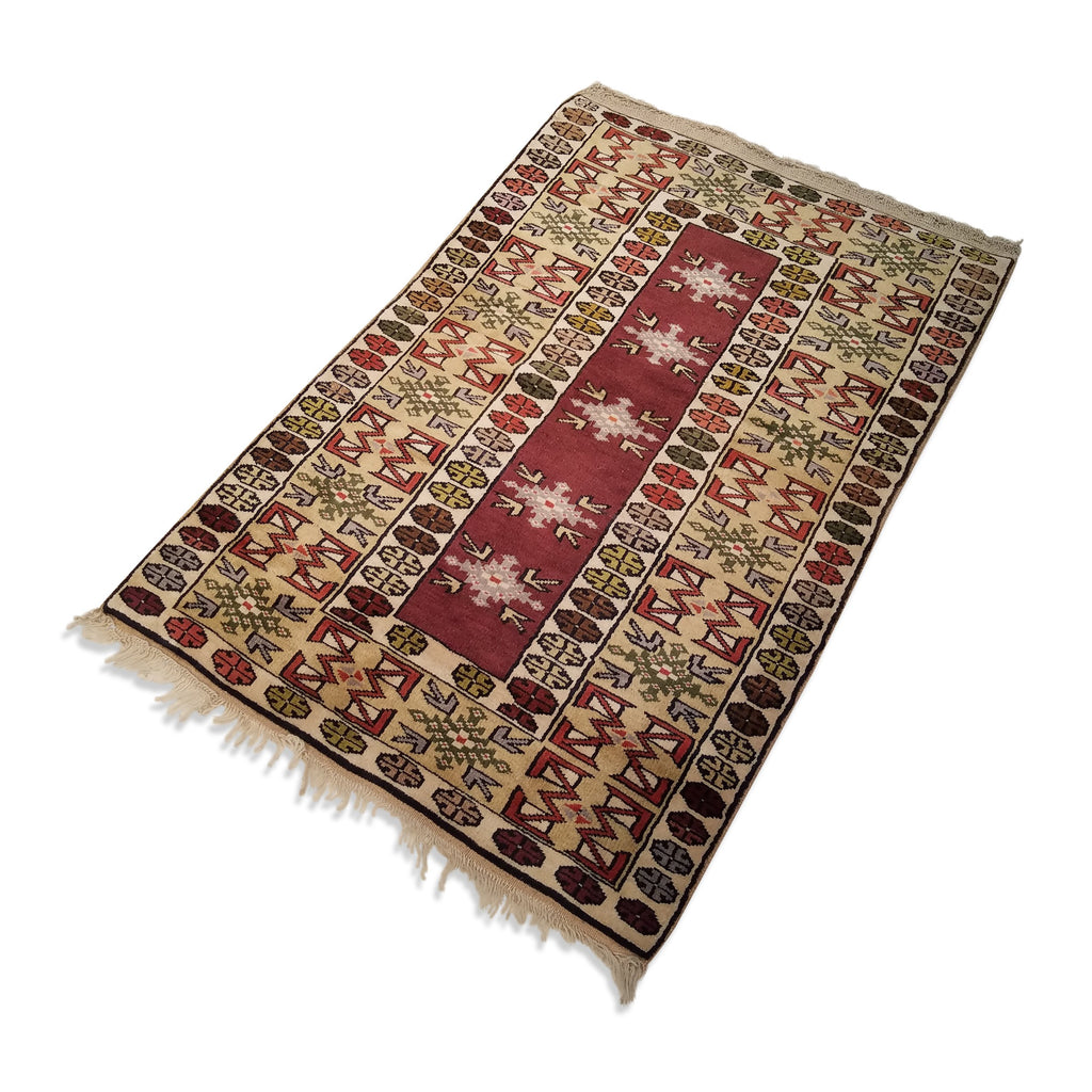 "3'2"" x 4'8""   Turkish Milas Rug Angle View"
