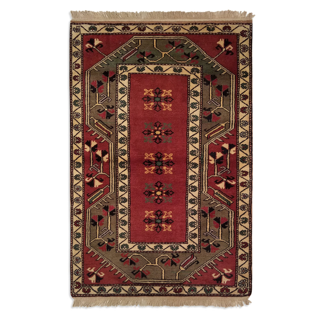 "3'2"" x 4'10""   Turkish Milas Rug Top View"