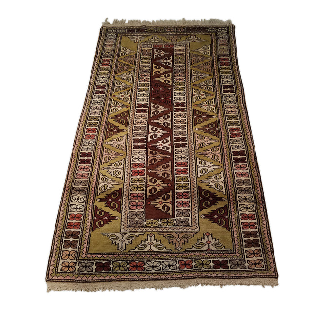 "3'5"" x 6'1""   Turkish Milas Rug Angle View"