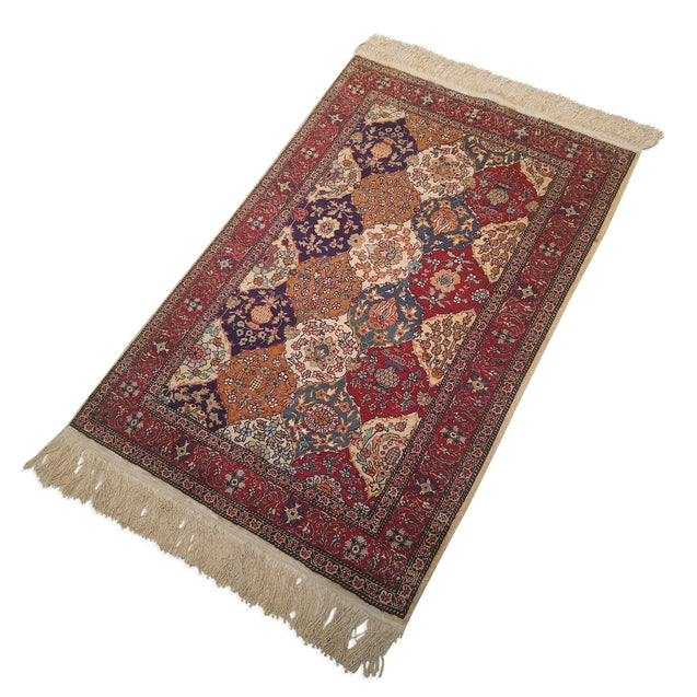 "2'8"" x 4'2""   Silk Turkish Kayseri Polonese Design Rug Angle View"