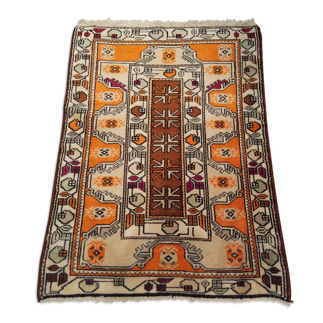 "2'11"" x 3'9""   Turkish Milas Rug Angle View"