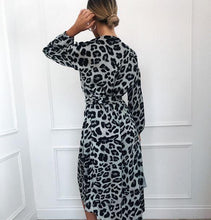Load image into Gallery viewer, Leopard Dress Women Vintage Long Beach Dress - Gift Canadian