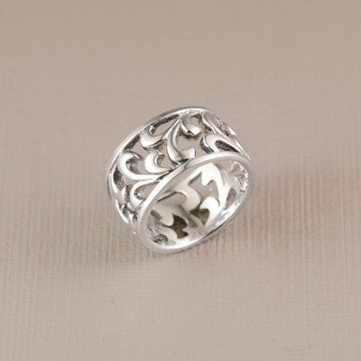 Cut Out Leaf Scroll Ring