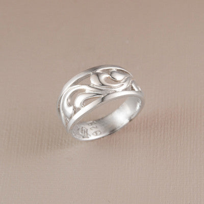 Soft Waves Ring