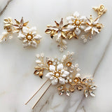 white floral hair pins set