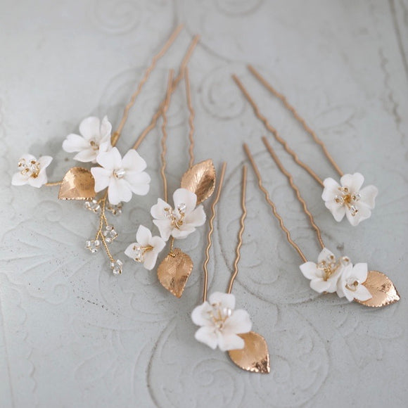 Ivory white Flower Hair Pins set, Clay Floral Hairpins, White Bridal Hair Pin Set, bridesmaid hairpiece