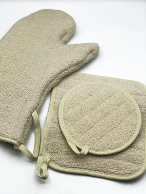 Load image into Gallery viewer, Made in the USA Oven Mitt - American Home USA