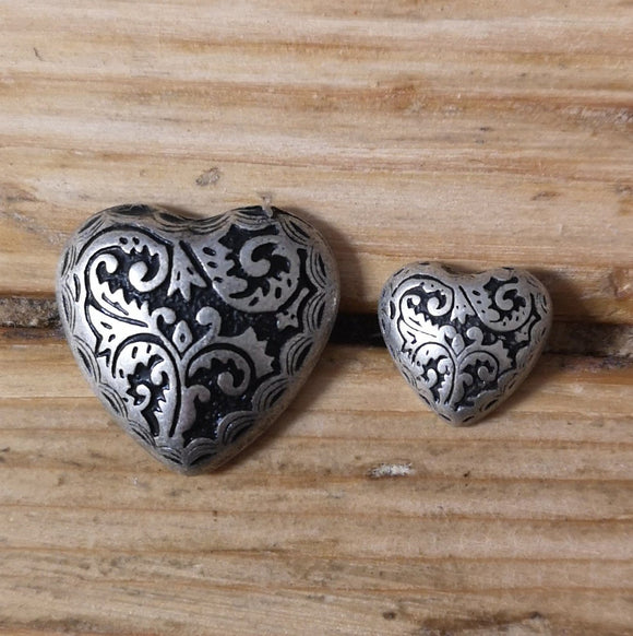 Buttons - Leaf Embossed Heart Buttons