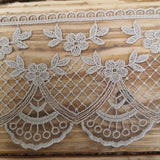 Embroidered lace, fan and scallop - 92mm putty