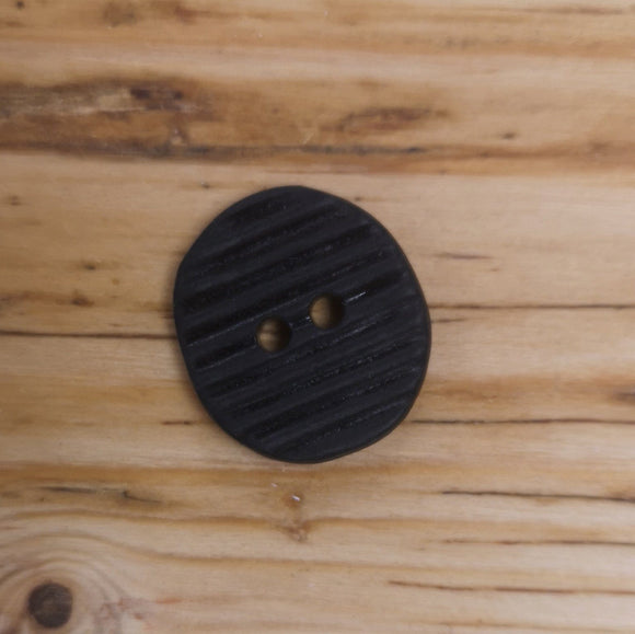 Modern Italian Button With Lines Indented