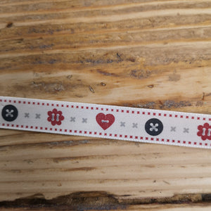 heart button flower ribbon