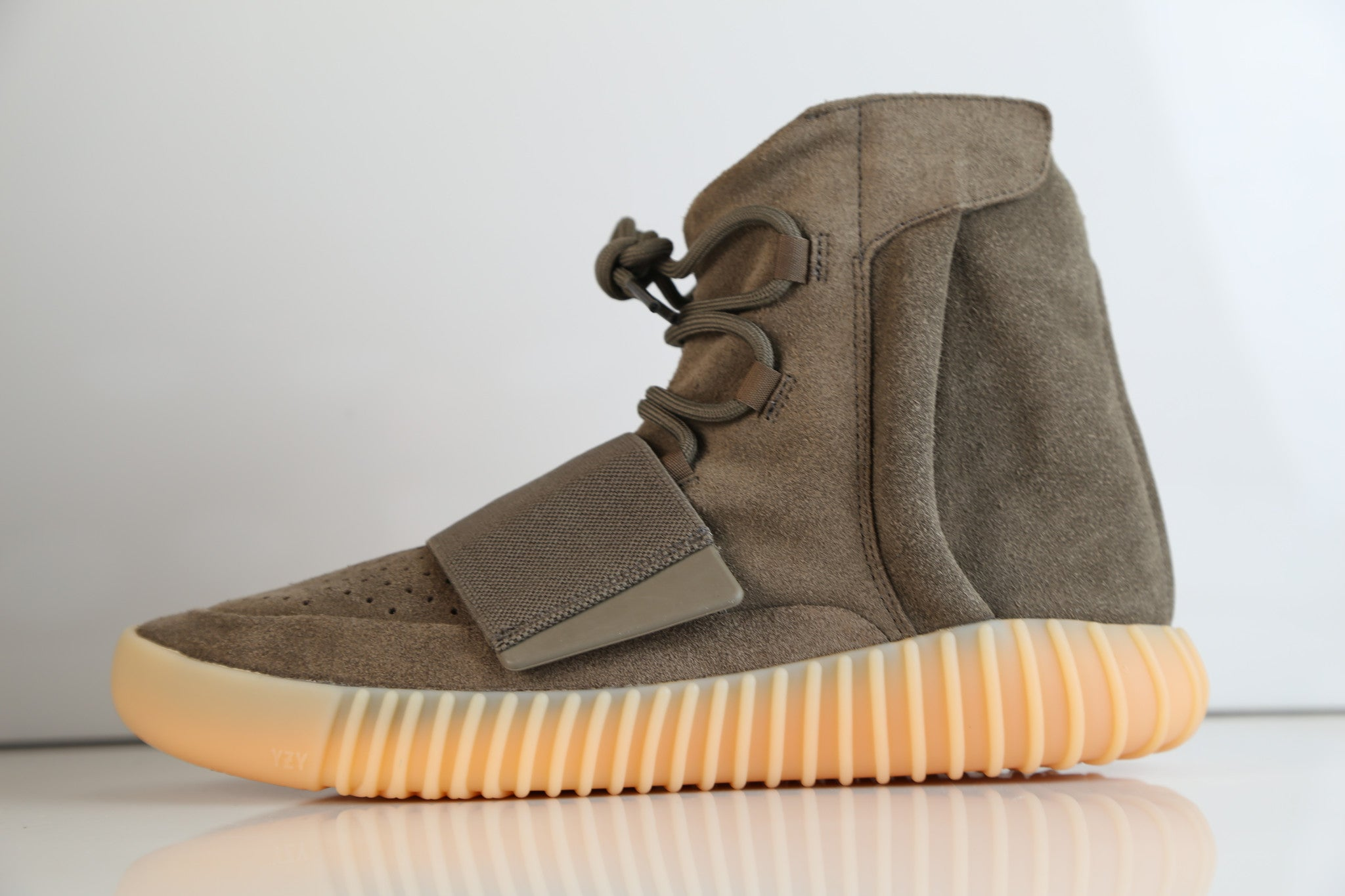 save off 31e20 cf270 Adidas X Kanye West Yeezy Boost 750 Light Brown Chocolate ...