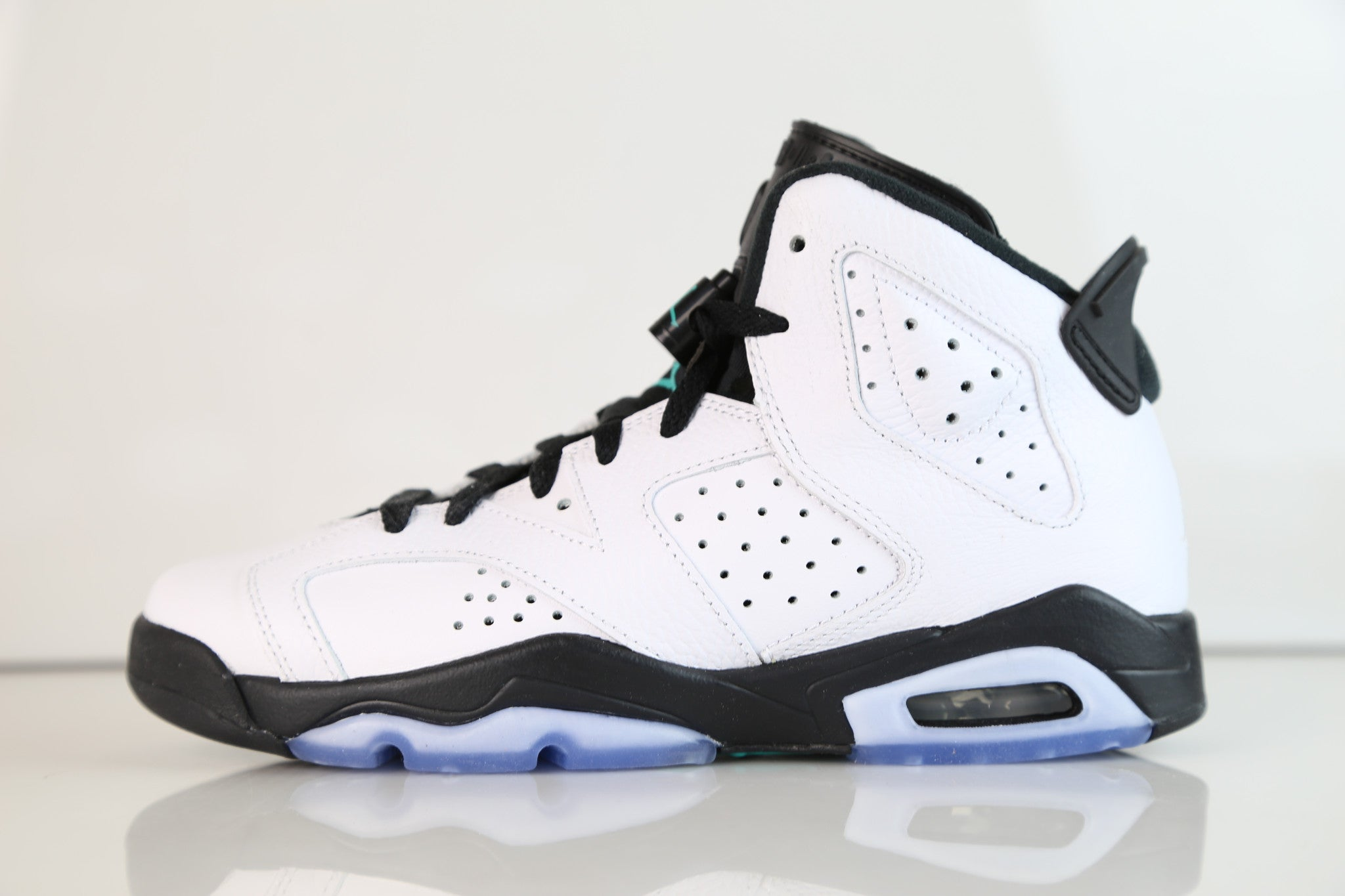 9ccb73d9d21f Nike Air Jordan Retro 6 White Hyper Jade Black BG GS 384665-122 2017 ...
