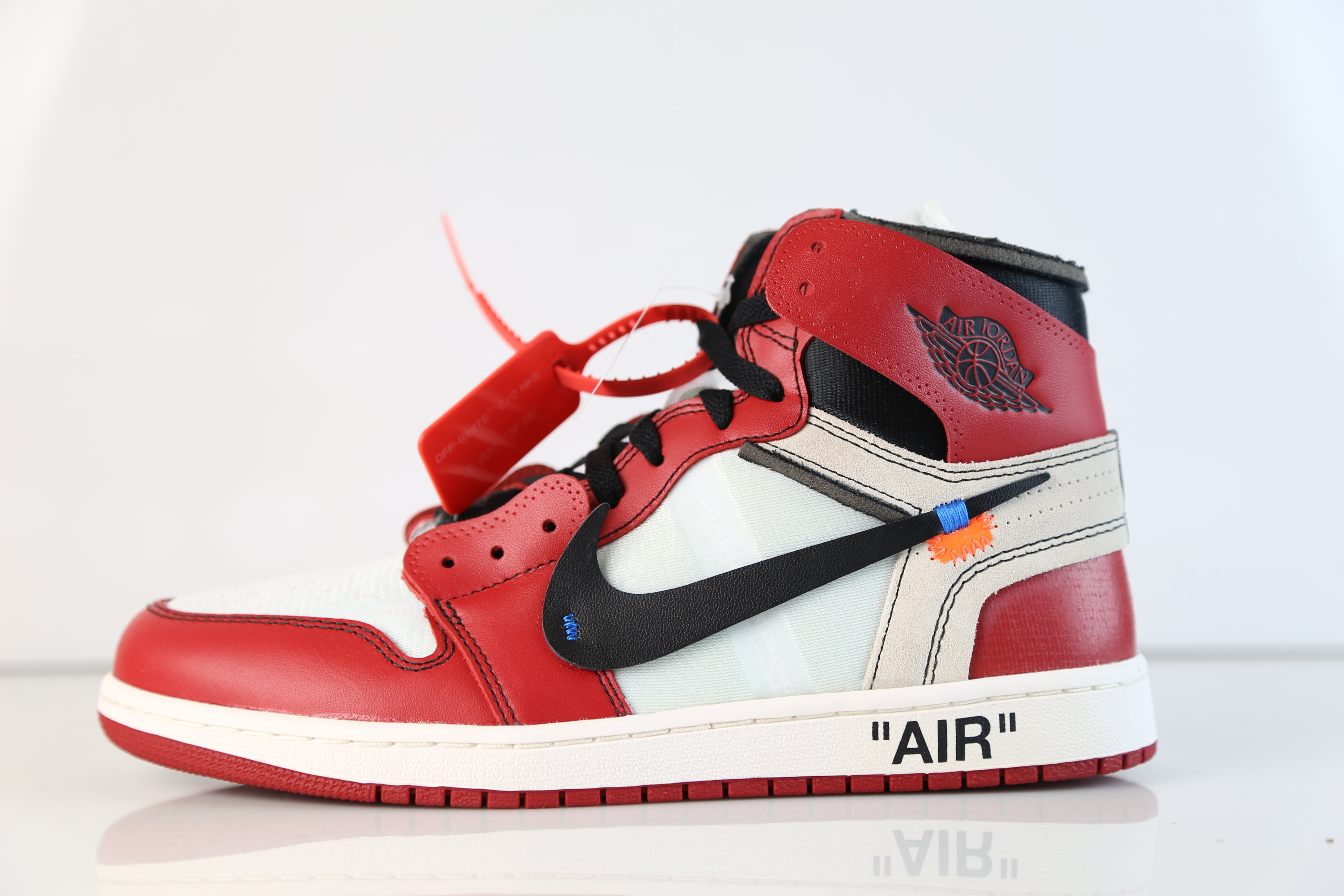 eca986819402e1 Nike X Off-White c o Virgil Abloh Air Jordan Retro 1 Chicago AA3834 ...