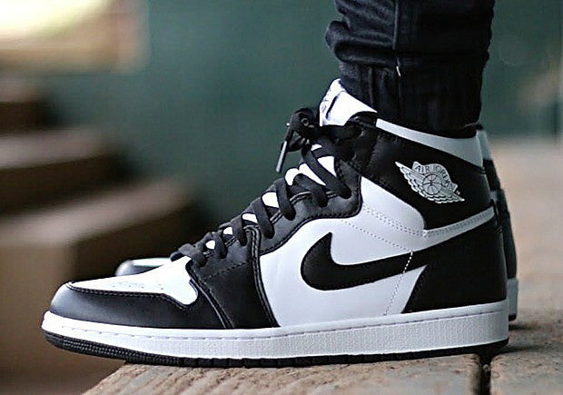 wholesale dealer 8eb43 821d6 Nike Air Jordan Retro 1 High OG Black White 2019 PRE ORDER ...