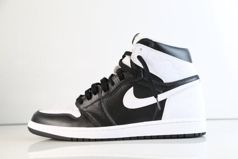 huge selection of 84332 5e376 Nike Air Jordan Retro 1 High OG Custom Perforated White Black Toe  555088-100 size