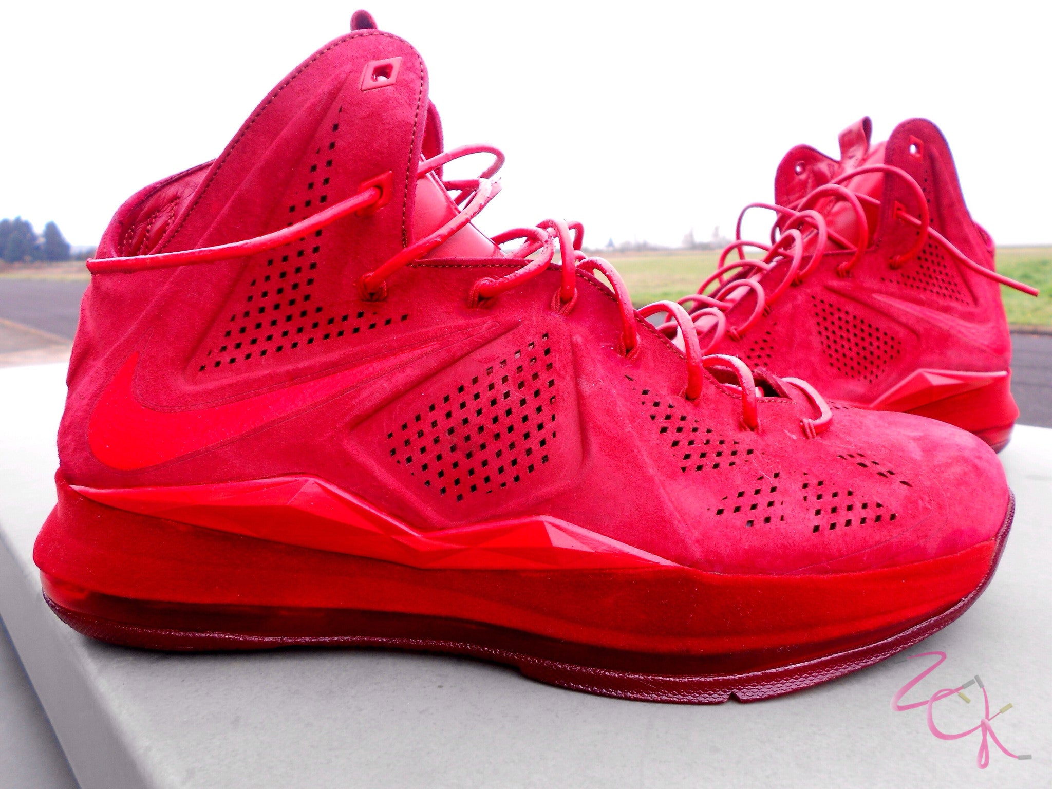 new style b3db9 4428d Custom Nike Lebron Suede EXT Red October   Zadehkicks