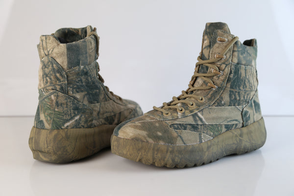 b4004e9ce ... Yeezy by Kanye West Season 5 Canvas Military Boot CPN21 KM4001.127 ...