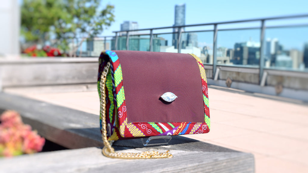 It's a Giveaway! Win this Stunning Clutch