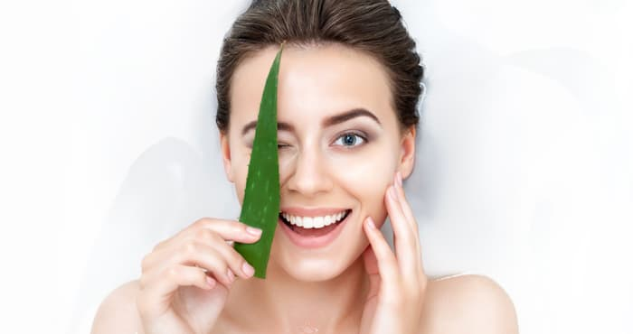 How to remove tan with Aloe Vera
