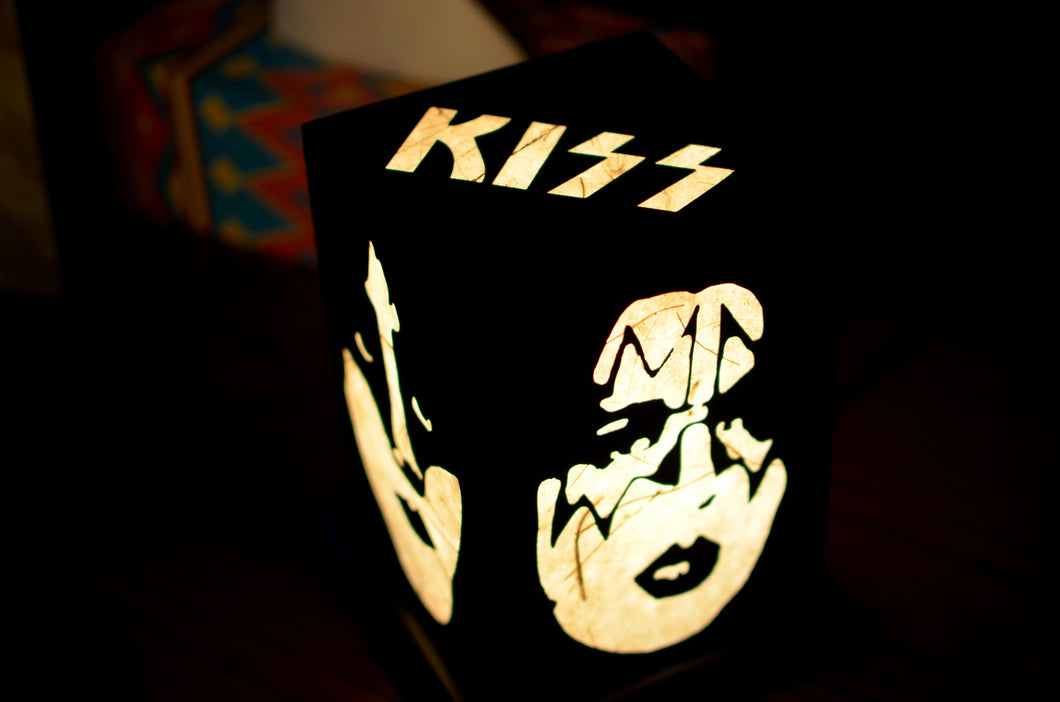 Love My Space Collection - Kiss LED Table Lamp