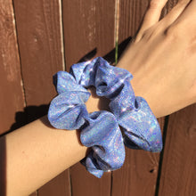Load image into Gallery viewer, Blue sparkle scrunchie