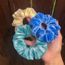 Load image into Gallery viewer, periwinkle scrunchie set
