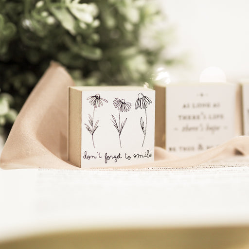 Blinks of Life Rubber Stamp - Don't Forget to Smile
