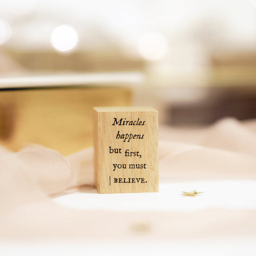 Blinks of Life Journal Quote Stamp - Miracles Happens