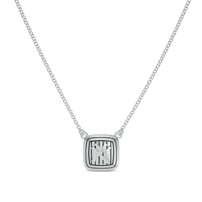 New York Yankees Cable Pinstripe Logo Suspended Necklace In 14K White Gold