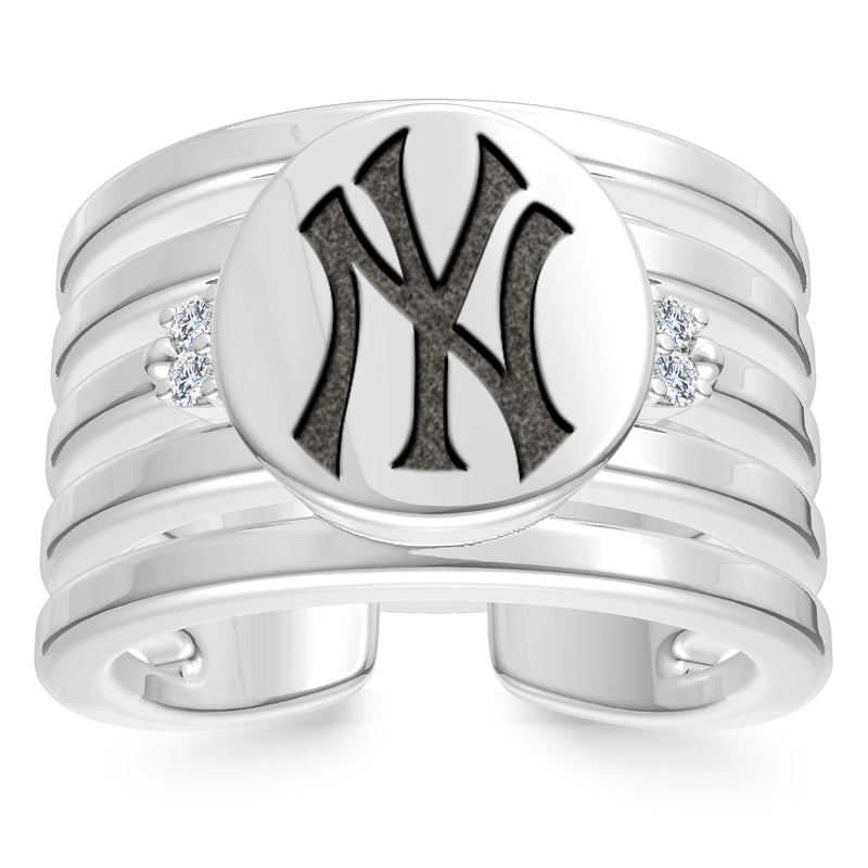 New York Yankees Diamond Logo Engraved Multiband Ring In Sterling Silver