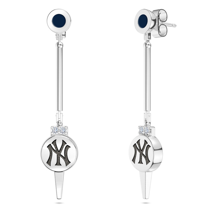 New York Yankees Diamond Logo Engraved Enamel Dangle Earring In Sterling Silver