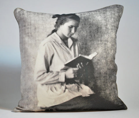 Bessie's Book Pillow P1136