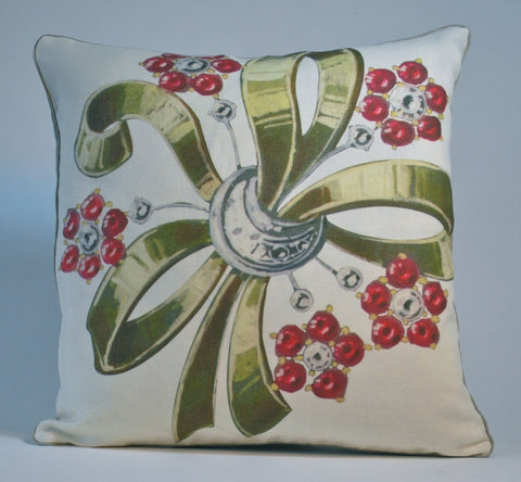Brooch Pillow P1156