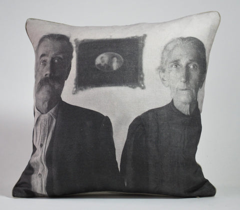 Tom and Deel Pillow P1153