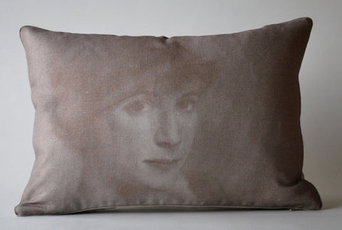Inge Pillow P1015