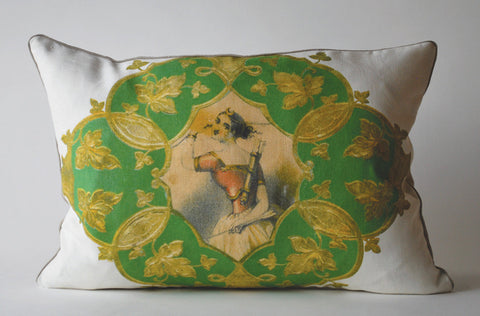 Archer Pillow, Med P1018