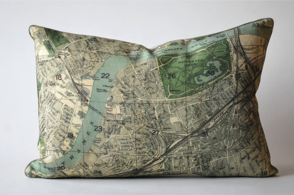 London Map 2 Pillow P1031
