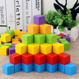 cubes-de-construction-en-bois-multicolores