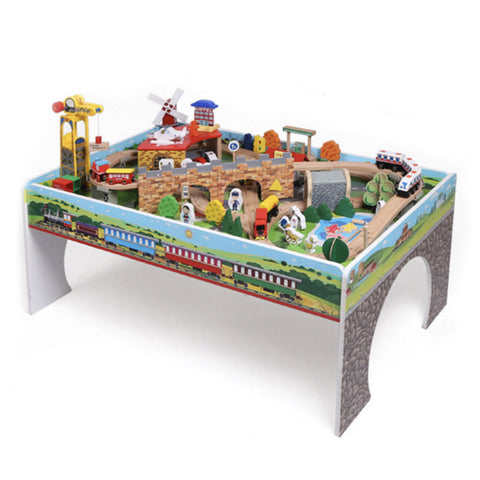 train-en-bois-sur-table