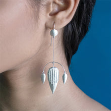 Load image into Gallery viewer, TUSCANY Arc Earrings