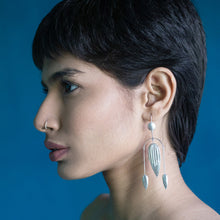 Load image into Gallery viewer, TUSCANY Long Arc Earrings