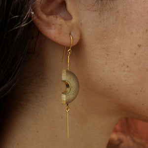MUSKAAN Gold Dangle Arc