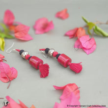 Load image into Gallery viewer, PATWA cylinder fuschia-black earring