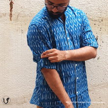 Load image into Gallery viewer, BLUE IKAT (full sleeves)
