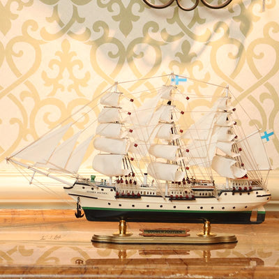 Swan Sailing Ship Model, 1/76 Scale - WOODLIVE