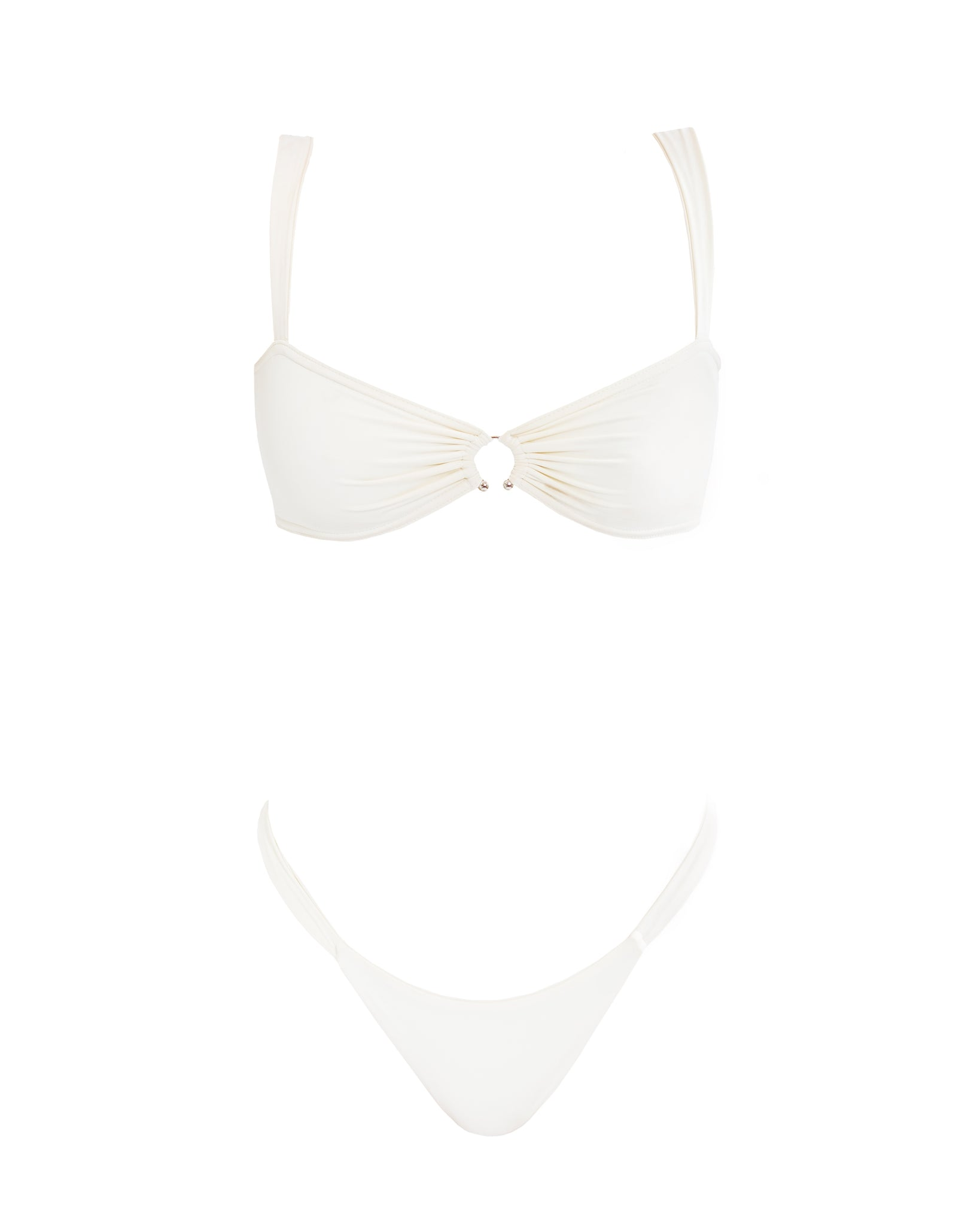 vanilla colored bikini with accessoire