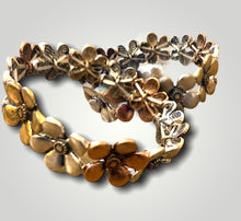 Load image into Gallery viewer, Bracelet - Stretch Tri Tone Flowers - So popular!